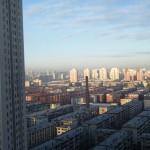 昼間の窓からの景色